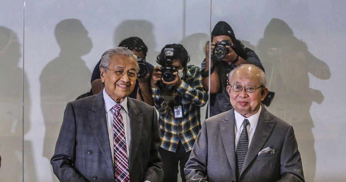 Govt to fall tomorrow? Former foes Dr Mahathir and Ku Li offer service to  revive Malaysia's economy   Malaysia   Malay Mail