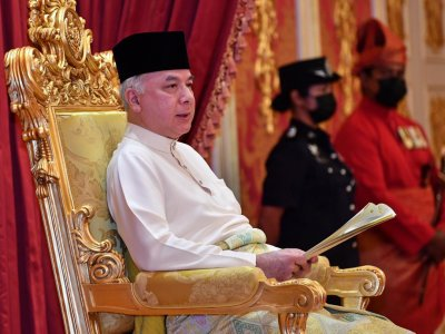 Perak Sultan gives consent to surau, mosques within state to hold prayers for limited congregants