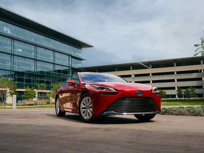 Toyota launches its new fuel cell sedan, promising better performance and range