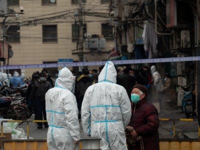 上海爆3本土确诊      同社区居民迁宾馆集中隔离