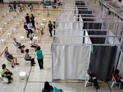 逾11万新加坡人打新冠疫苗    仅3人出现严重过敏