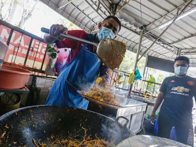 Mee Manja: Javanese-style 'mee goreng' served up by four generations of this Penang family