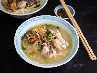 CMCO food takeaway: Get the ultimate bowl of comfort at KL Jalan Alor's Sister Drunken Chicken Noodle