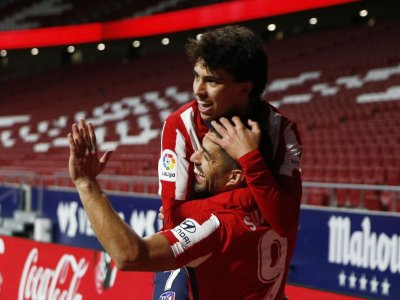 Suarez strikes again as Atletico march on, Barca win without Messi