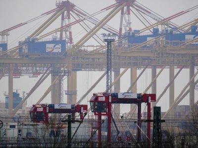 German exports to Britain slump 30pc on Brexit, pandemic