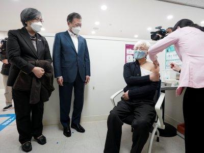 韩国今起施打疫苗      目标11月达群体免疫
