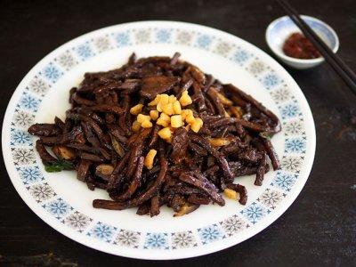 MCO food delivery: Piping-hot 'Hokkien mee' from Taman Melawati's Walaueh Hokkien Mee