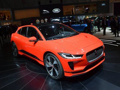 Jaguar car brand to go fully electric from 2025