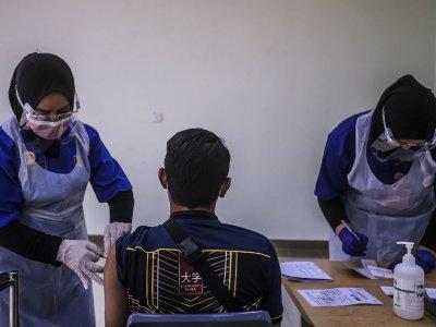Kelantan, Melaka, N. Sembilan begin Covid-19 immunisation programme today