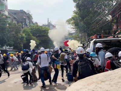 Nine dead in Myanmar as police fire to break up protests as diplomatic effort stalls