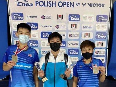 刚搭档一个月即夺国际赛冠军 锺鸿健/杜依蔚表现亮眼