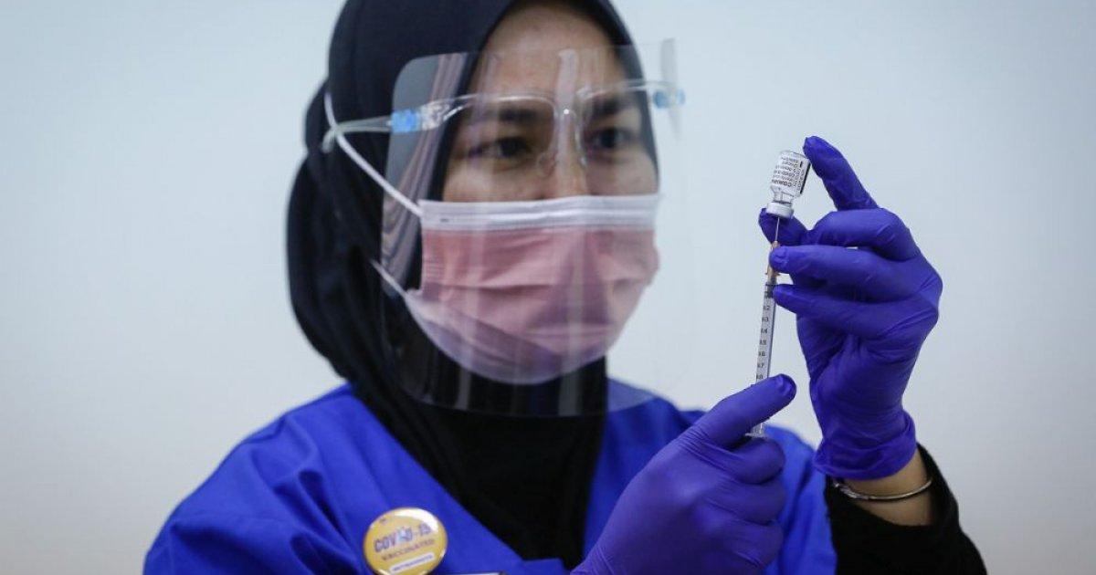 Islamic affairs minister: Haj pilgrims to get Pfizer-BioNtech, AstraZeneca vaccines