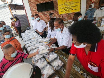 Ipoh Barat MP M. Kulasegaran wants to increase number of days for soup kitchen following its success