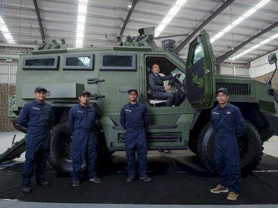 Malaysia produces its first armoured vehicle, the Tarantula HMAV 4x4