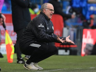 Bielsa denies he is close to signing new contract with Leeds