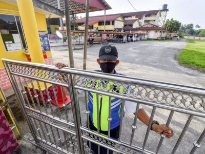 Will schools stay open? Pakatan MPs call on Education Ministry to spell out MCO regulations