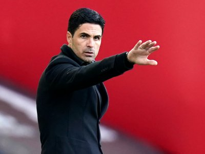 Arteta calls for unity at wounded Arsenal