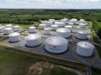 Pipeline outage causes US gasoline supply crunch, panic buying