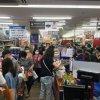 台湾双北市三级警戒一宣布        超市大排长龙抢购物资