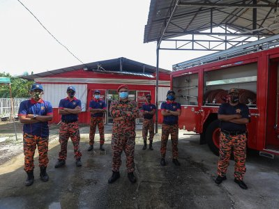 Hari Raya or not, these Malaysian volunteer firefighters are on standby to help in emergencies