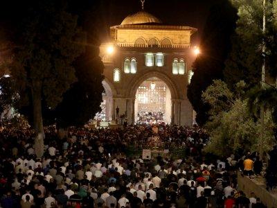 Clashes, prayers in Jerusalem on Muslim Laylat al-Qadr