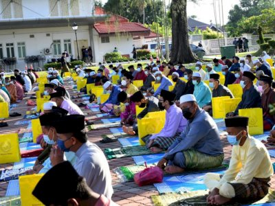 Perlis holds Aidilfitri prayer in open area to reduce Covid risks