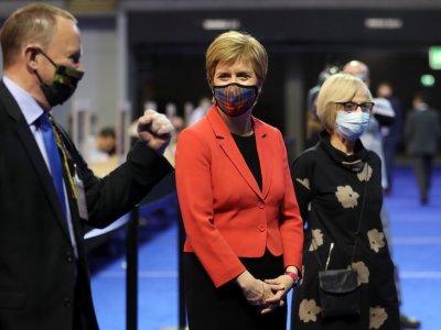 UK PM invites Scottish pro-independence leader to 'work together'