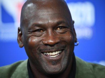 Michael Jordan college jersey fetches US$1.38m at auction