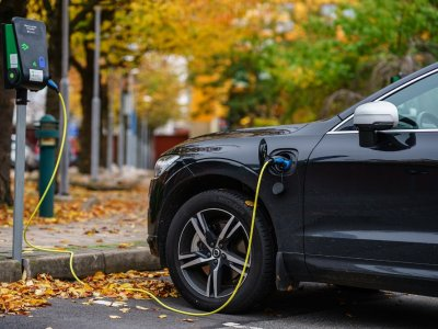 Electric cars will be cheaper than combustion models within five to six years