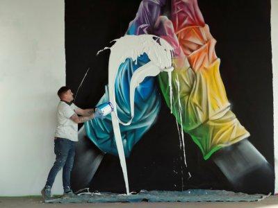British street artist destroys own mural to create crypto-artwork