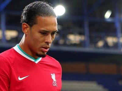 Liverpool's Van Dijk says he will skip Euros to focus on knee rehab