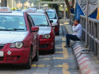 Putrajaya's measures to contain Covid-19 resulted in wages falling by 9pc, says Stats Dept
