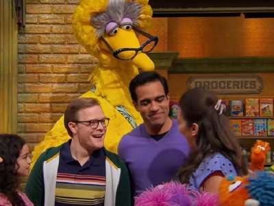 'Sesame Street' introduces married gay couple in Family Day episode