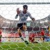 欧国杯C罗传射难挽乌龙败局 战车4比2碾压葡萄牙!