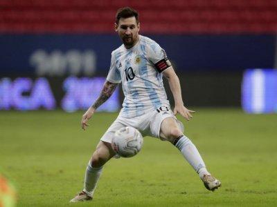 Argentina, Chile through to Copa America quarter-final
