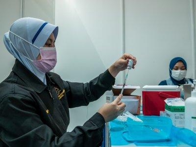 疫苗接种量再刷新纪录 7月5日单日逾30万剂!