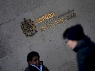 Strong earnings, dividend bonanza push FTSE 100 higher