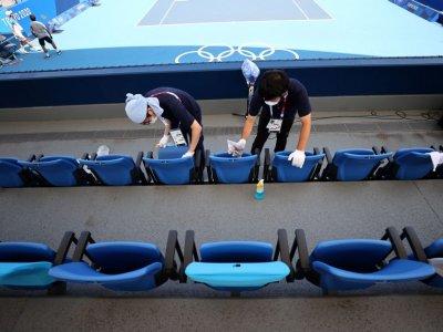 选手确诊丑闻不断      东京奥运混乱中登场