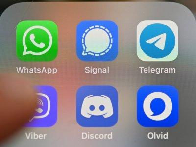 WhatsApp tests breaking free from smartphones