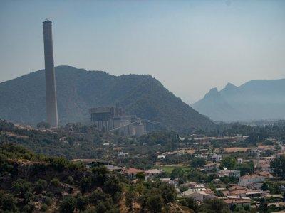 Turkey saves power plant from 'unprecedented' wildfires
