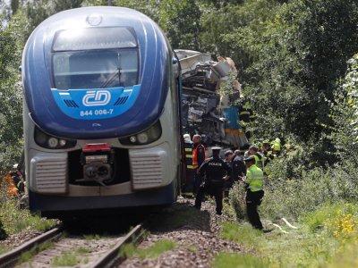 Three killed, dozens hurt in Czech train crash