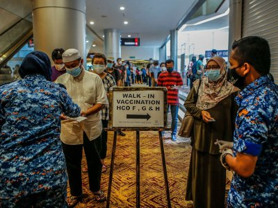 Use public transport to reduce congestion at walk-in PPVs, say police