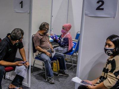 Khairy: Success of Malaysia's Covid-19 immunisation programme hinges on ICU bed utilisation, hospitalisation and death rates