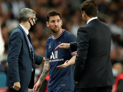 Injured Messi ruled out of midweek action with PSG