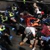 澳洲疫情不止      多地反封城示威警民冲突