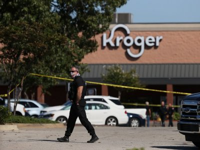 Gunman kills one and then himself at Tennessee supermarket, 12 wounded