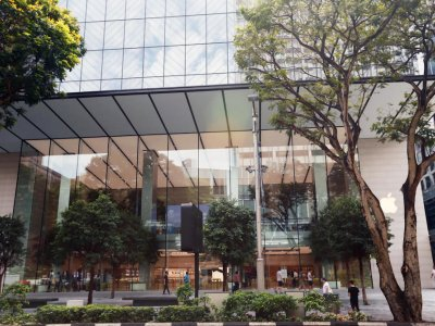 Apple store on Orchard Road in Singapore fined S$1,000 for allowing social gathering at workplace