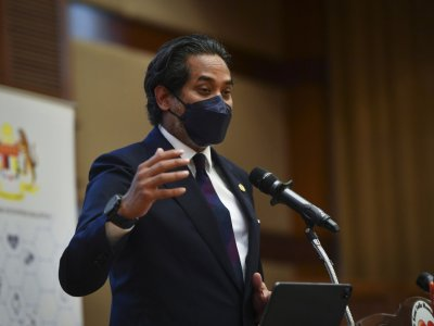 Criticised by Anwar as 'arrogant', Khairy stands by firm stance on anti-vaxxers