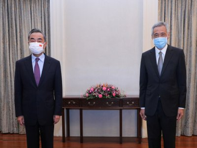 Chinese foreign minister visits Singapore in pushback against US