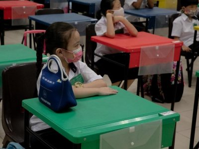 Singapore primary school pupils to return to school progressively from Oct 11